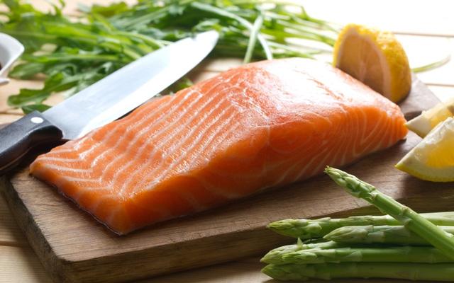 Cá chứa bao nhiêu calo? Ăn nhiều cá có tốt không?