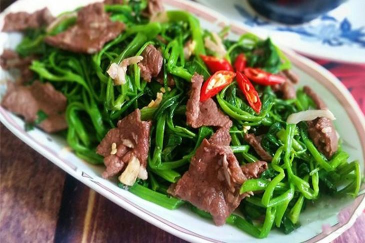 Rau muống xào thịt bò bao nhiêu calo?