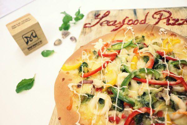 Bánh pizza bao nhiêu calo? Ăn nhiều pizza có béo không?
