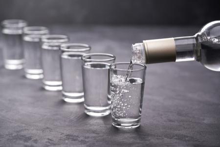 1 chén rượu gạo bao nhiêu calo? Tác hại kinh hoàng của rượu với sức khỏe con người